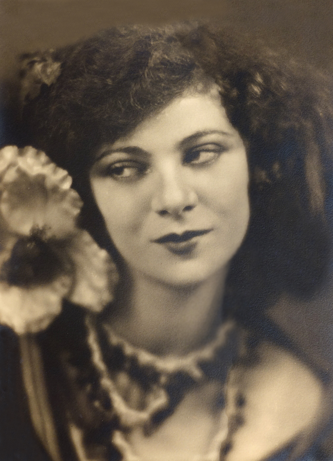 Soichi Sunami Photograph Portrait of Helem Timiris Tensive Bacch
